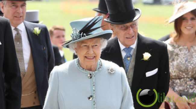 7. Ratu Elizabeth