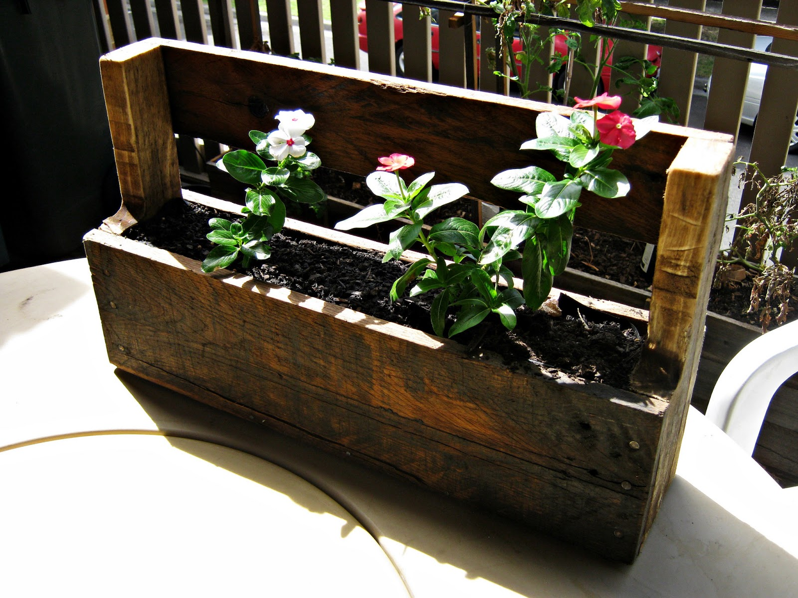 the re workshop wall mounted planter box wood pallet. Black Bedroom Furniture Sets. Home Design Ideas