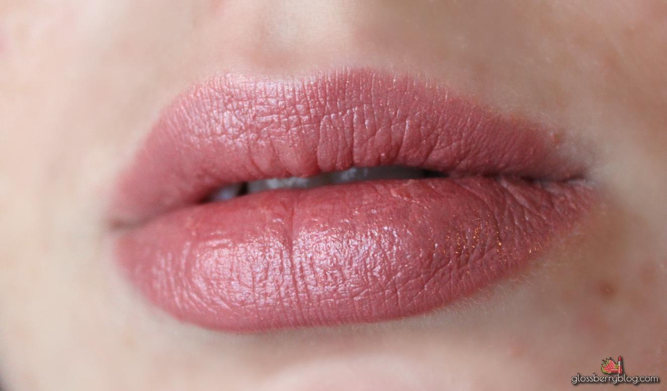 mac viva glam V lustre review swatches מאק ויוה גלאם 5 שפתון בלוג איפור וטיפוח גלוסברי סקירה