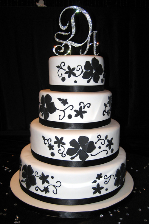 amazing black and white wedding cakes 40 pic awesome pictures. Black Bedroom Furniture Sets. Home Design Ideas