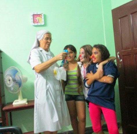 Misionera en la misiones de Cuba con jóvenes