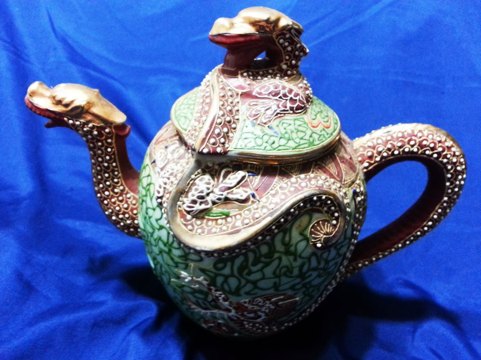 Chinese Antiques Golden Dragon Teapots