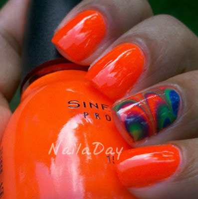NailaDay: Sinful Colors Summer Peach Watermarble