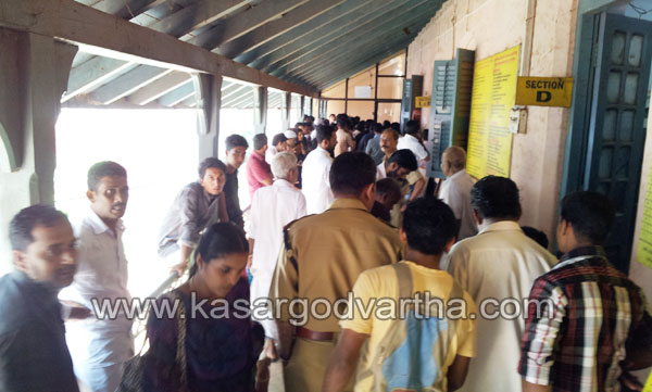 Sand, Lorry, Driver, Arikady, Case, Kasaragod, Kerala, Kerala News, International News, National News, Gulf News, Health News.