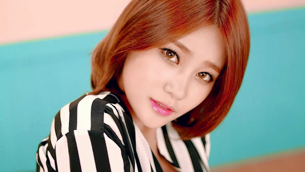 AoA Yuna Short Hair
