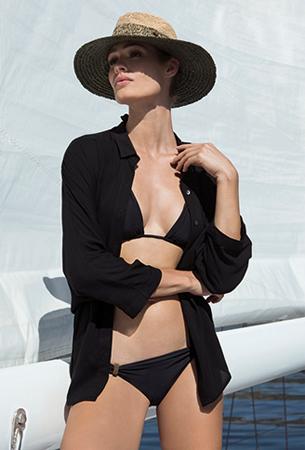 Lenny Niemeyer coleção de verão biquíni e bata preta