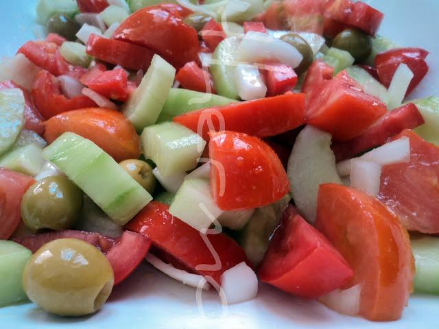 Ensalada de la huerta, con hortalizas frescas