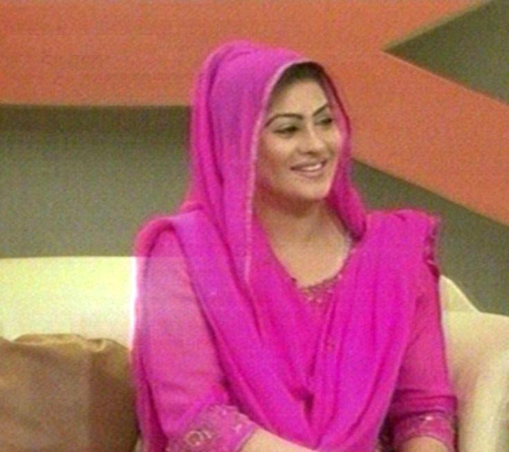 Sindhi Pictures: Saba Khan Sindhi Model And Host