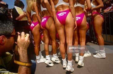 決定的瞬間: 女子マラソン (競歩) のスタート前?