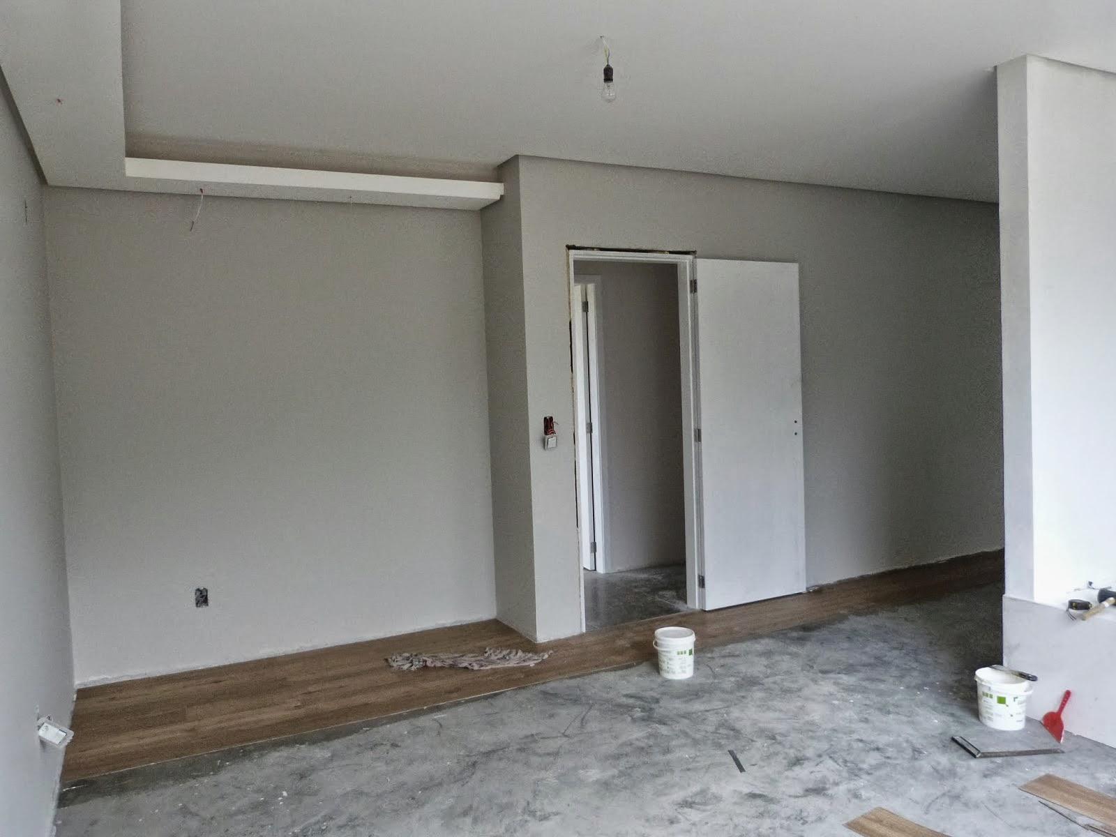 Banheiro com parede pintada em cinza janela para ventilacao #5D4E40 1600x1200 Banheiro Com Janela Interna