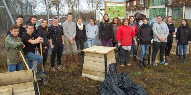Emeraude cr ation compost au lyc e en loz re for Materiel cantine collective