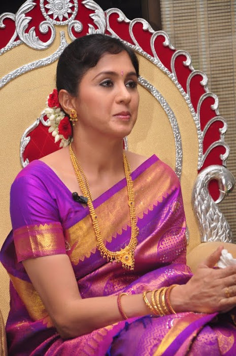 devayani new saree @ kodi mullai tv serial success meet latest photos
