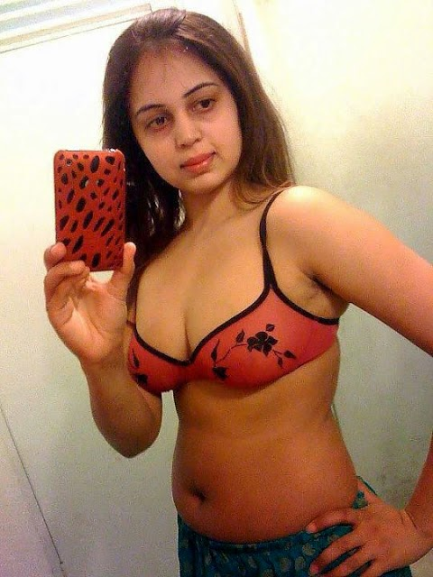 Sexy Indian armpit Girls Nude Photos Gallery