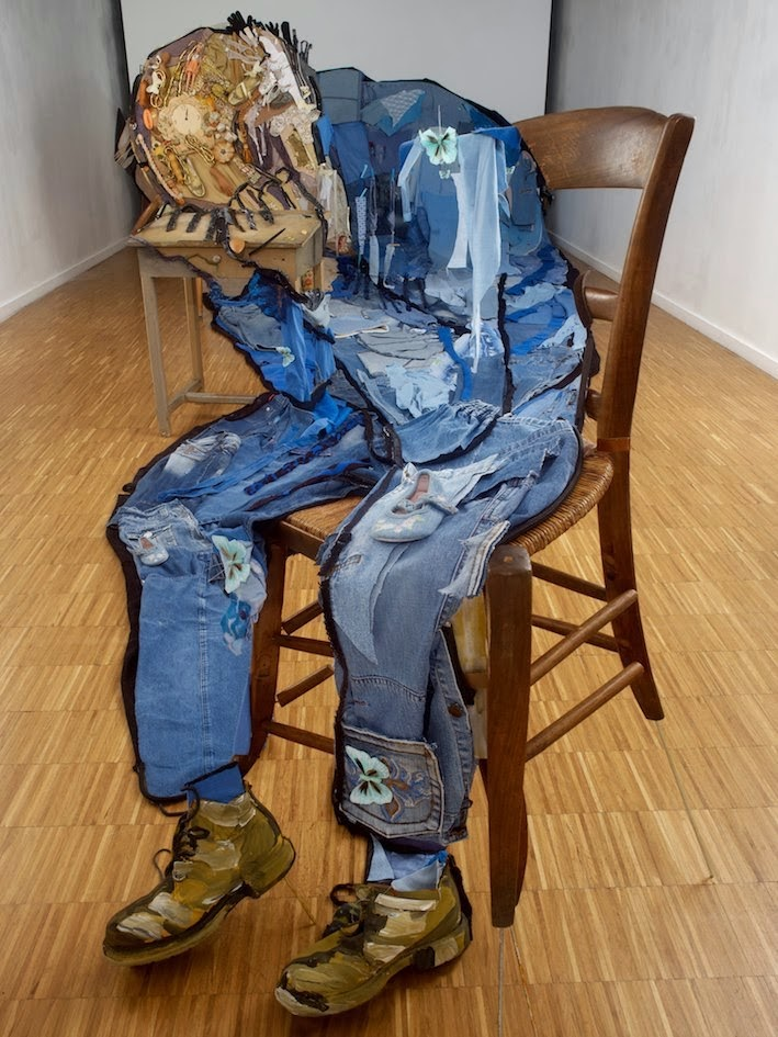 04-Bernard-Pras-Art-in-Sculpture-Point-of-View-www-designstack-co