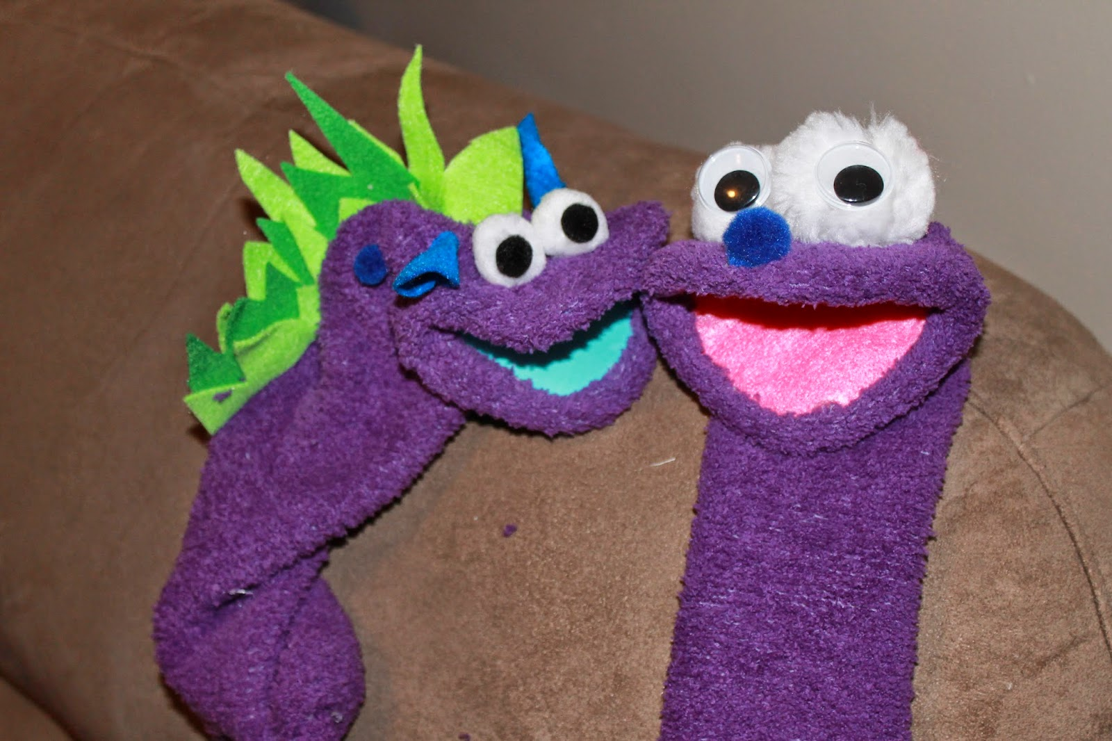 how to make sock puppets, cute sock puppets