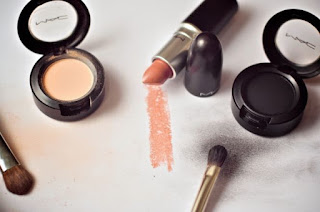 mac-cosmetics-image