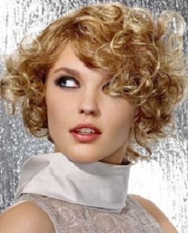 los cortes asimtricos tambin resultan muy atractivos y llamativos para eso es mejor el pelo con ondas que puedes manejar con facilidad