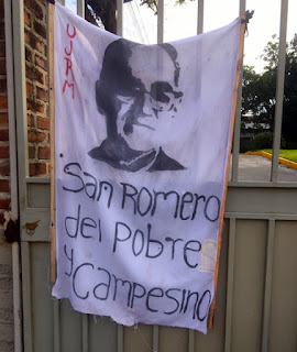 Banner in San Salvador. Credit: Claudia Horwitz. All rights reserved.