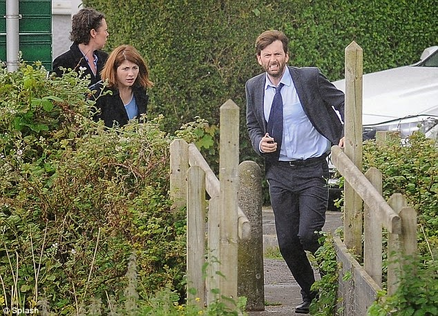 photos david tennant filming broadchurch yesterday. Black Bedroom Furniture Sets. Home Design Ideas