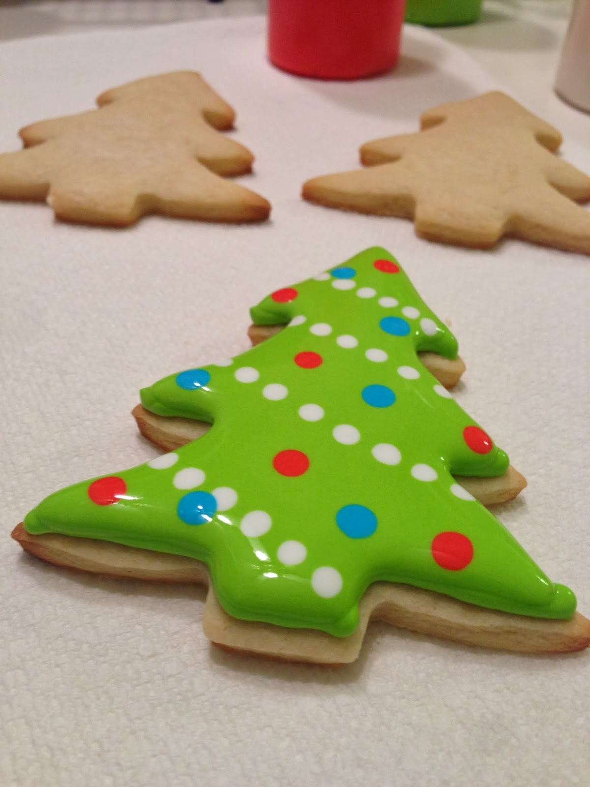monograms & cake: Christmas Cut-Out Sugar Cookies with Royal Icing