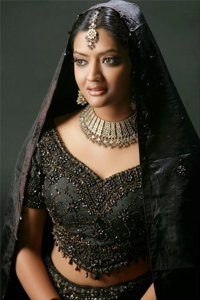 Kiran Pandya hot