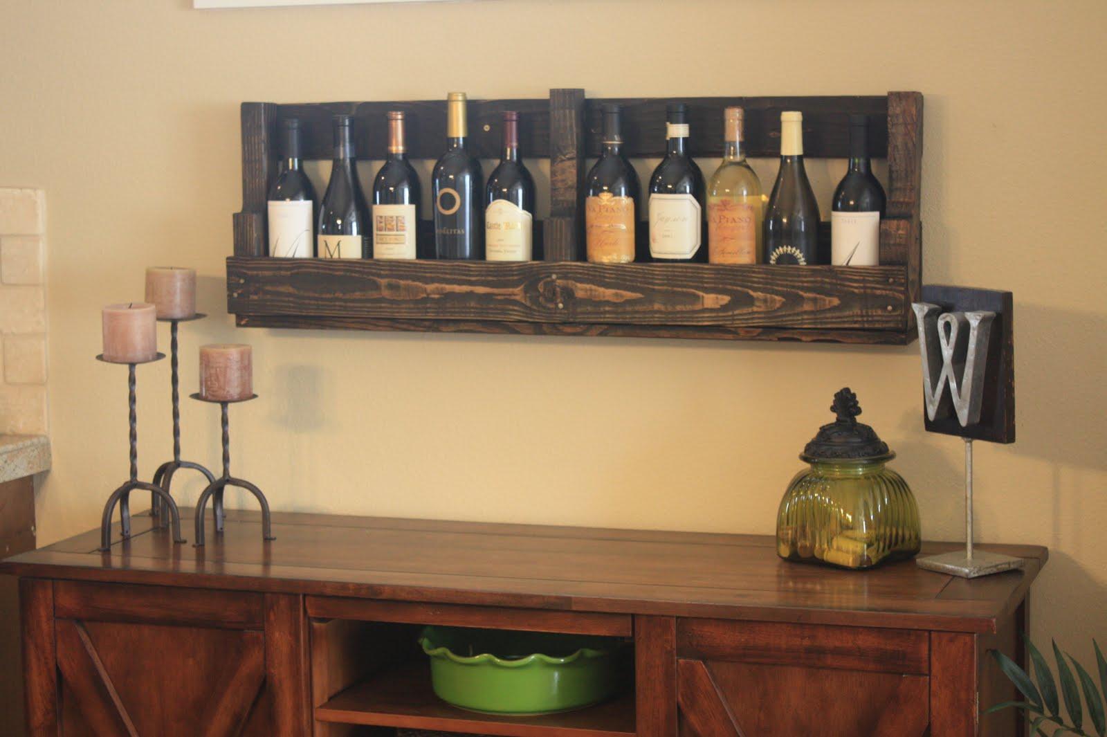 Wilsons and pugs pallet wine rack for Table en palette