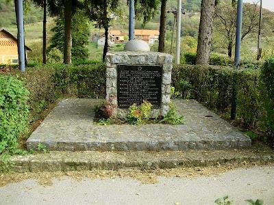 Partizanski spomenik - Planina Donja