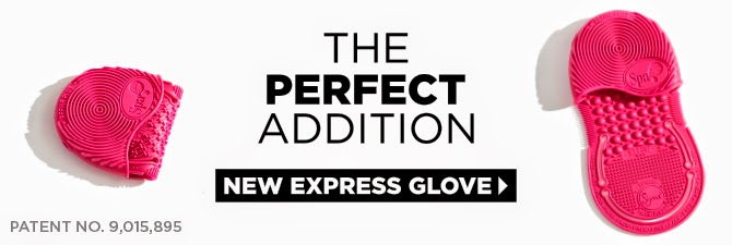 Sigma brush cleaning glove cleans brushes with a grip