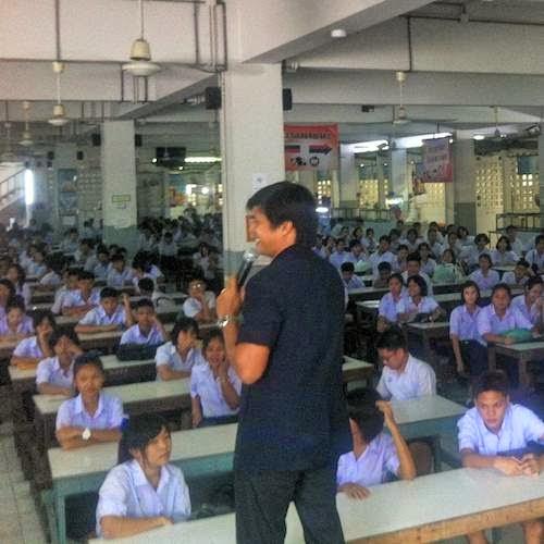 Schüler am Elterntag in Thailand