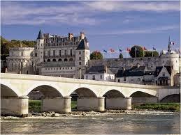 Trường bằng đại học Thương mại Novancia paris