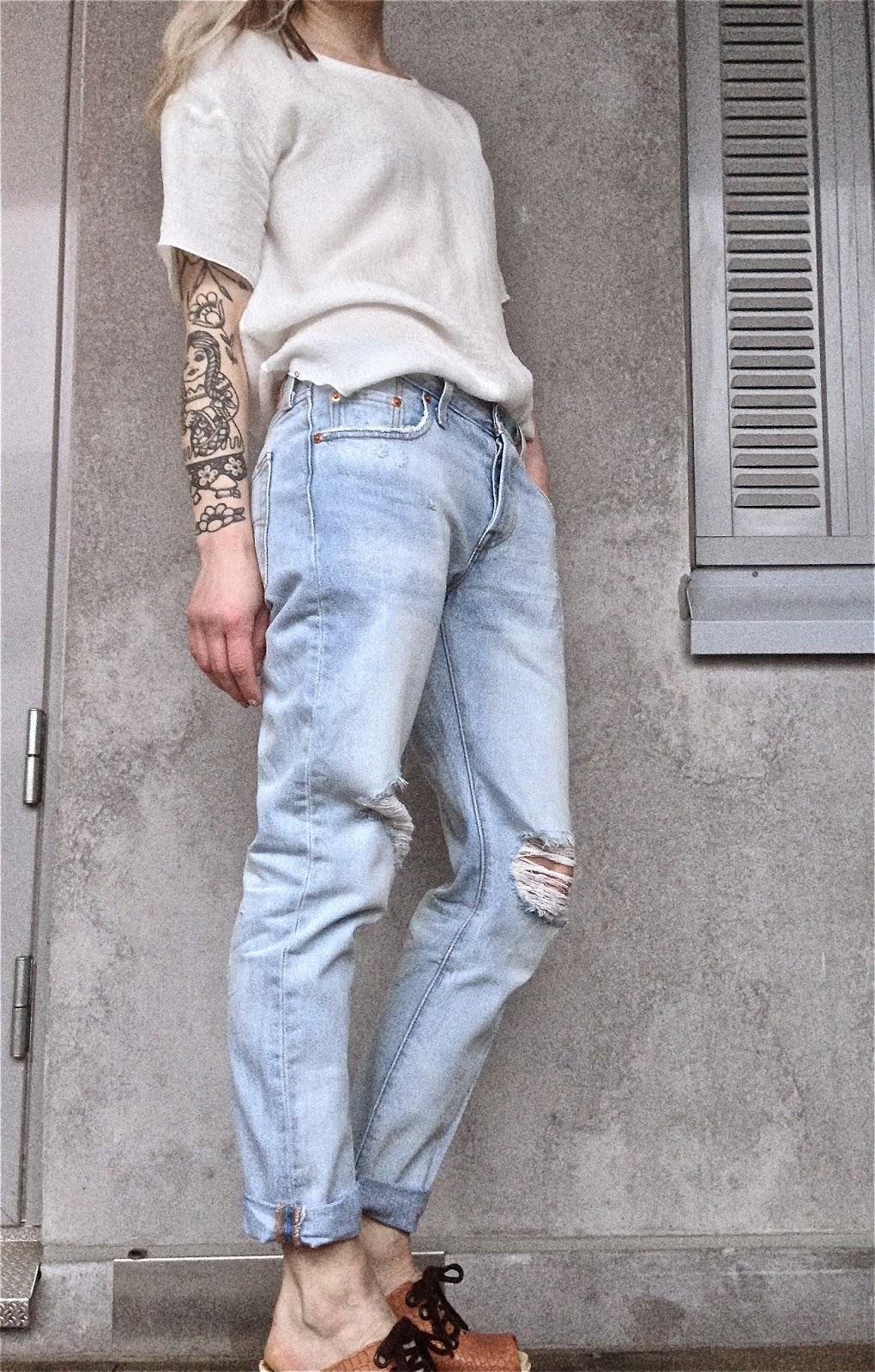Levis, Levis 501, Levis 501 CT, 501CT, Old Favorite, 501 women, New Levis model, jeans, light blue jeans, boyfriend jeans, relaxed fit jeans