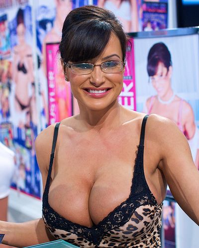 Boobs butts everything nice pornstars over the age of 40 for Tara holiday tube