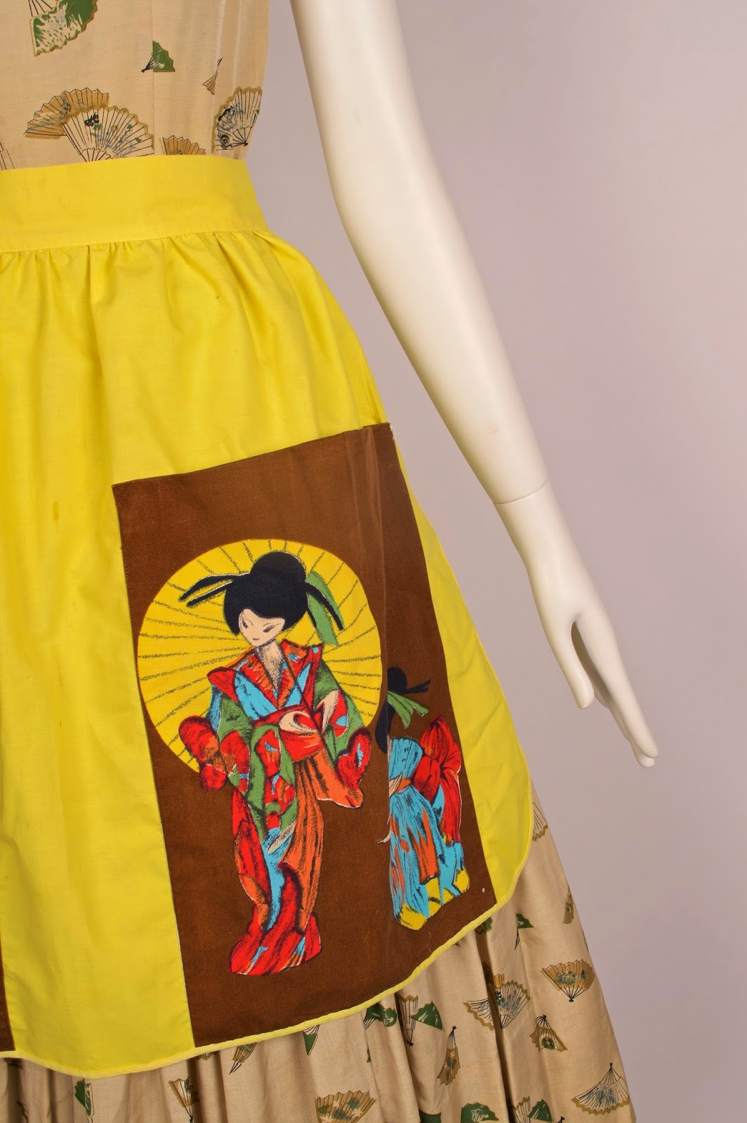 White apron marks and spencer - A Marks Spencers Apron From The 60s