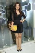 Rashi Kanna latest glam pics-thumbnail-1