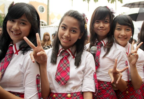 Mova , Fahira , Diasta , Kinal