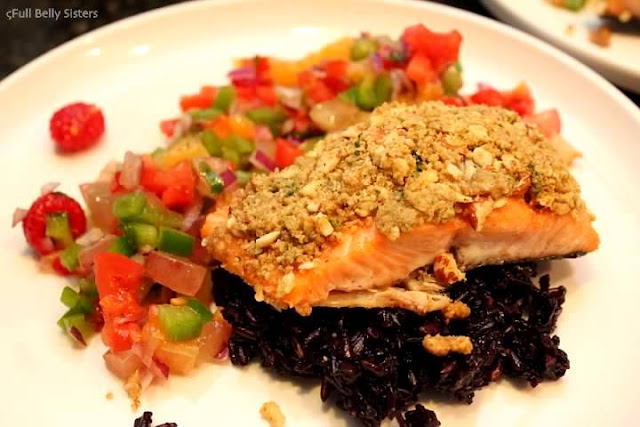 Almond crusted salmon w fruit salsa and black rice for Fruit salsa for fish