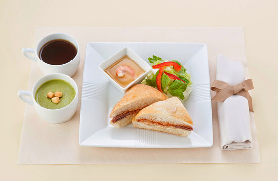 JAL Domestic First Class mid May breakfast menu.