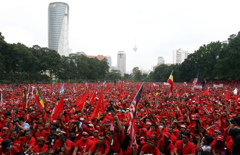 baju merah 5
