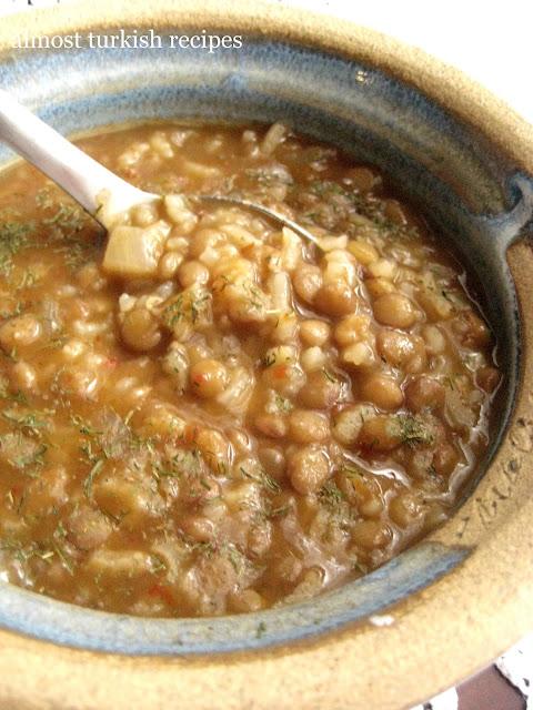Green Lentil Soup With Rice (Pirinçli Yeşil Mercimek Çorbası)