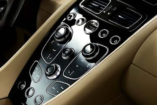 Aston Martin Vanquish AM 310