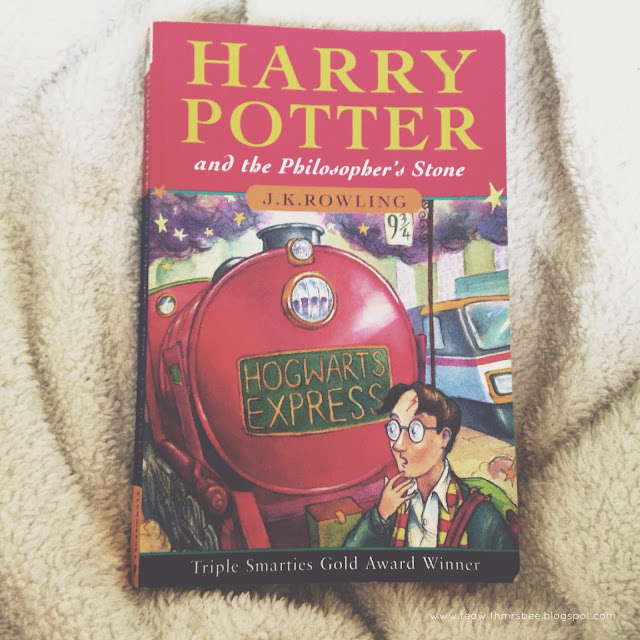 Current reading obsession - going to try & read Harry Potter at least once a year | www.teawithmrsbee.blogspot.com