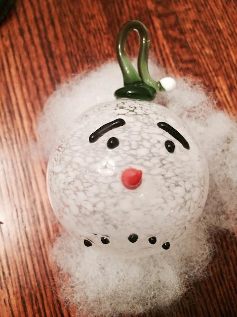 green-white-snowman