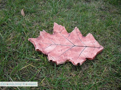 W Kamieniu liście lecą gliniane...