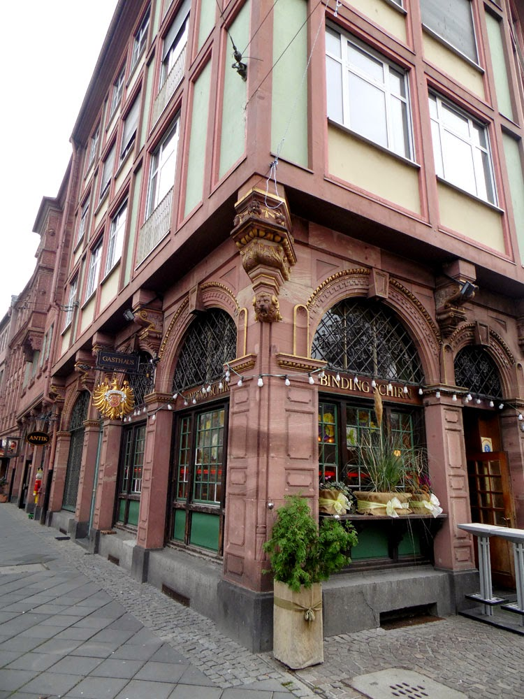 A Coffee House on the Römerberg, Frankfurt