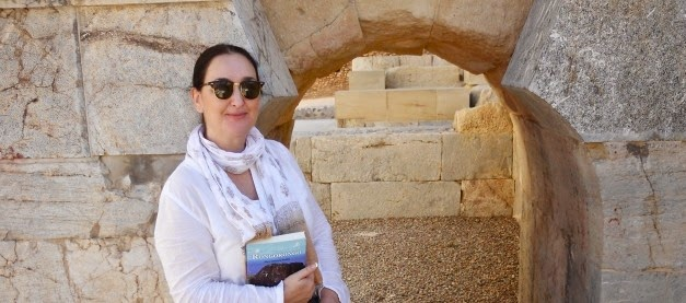 alex, guerra, arqueóloga, viajar, aprender