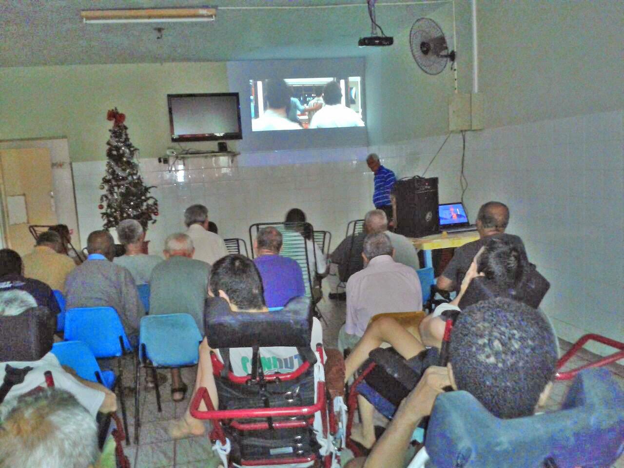 Recanto promove sessão de filme