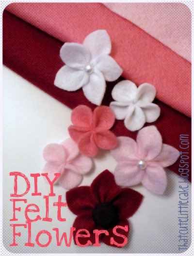 That cute little cake craft diy felt flowers for Diy felt flower mobile