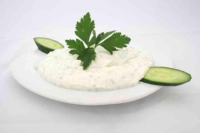 Zekayı geliştiren besinler (yoğurt)