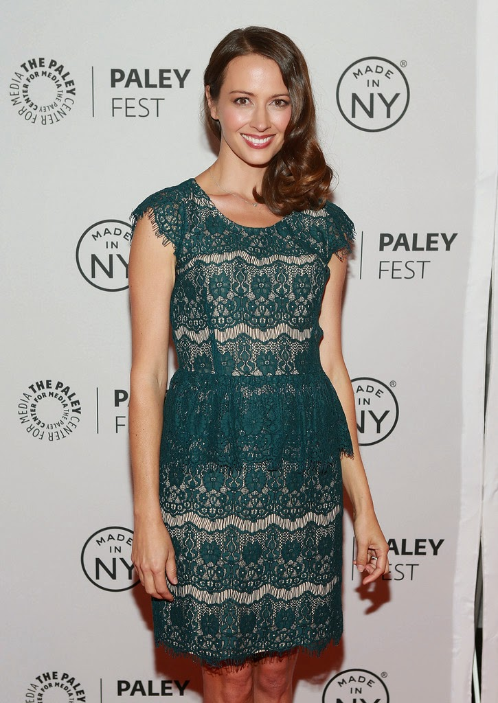 Amy Acker Dressing Choice