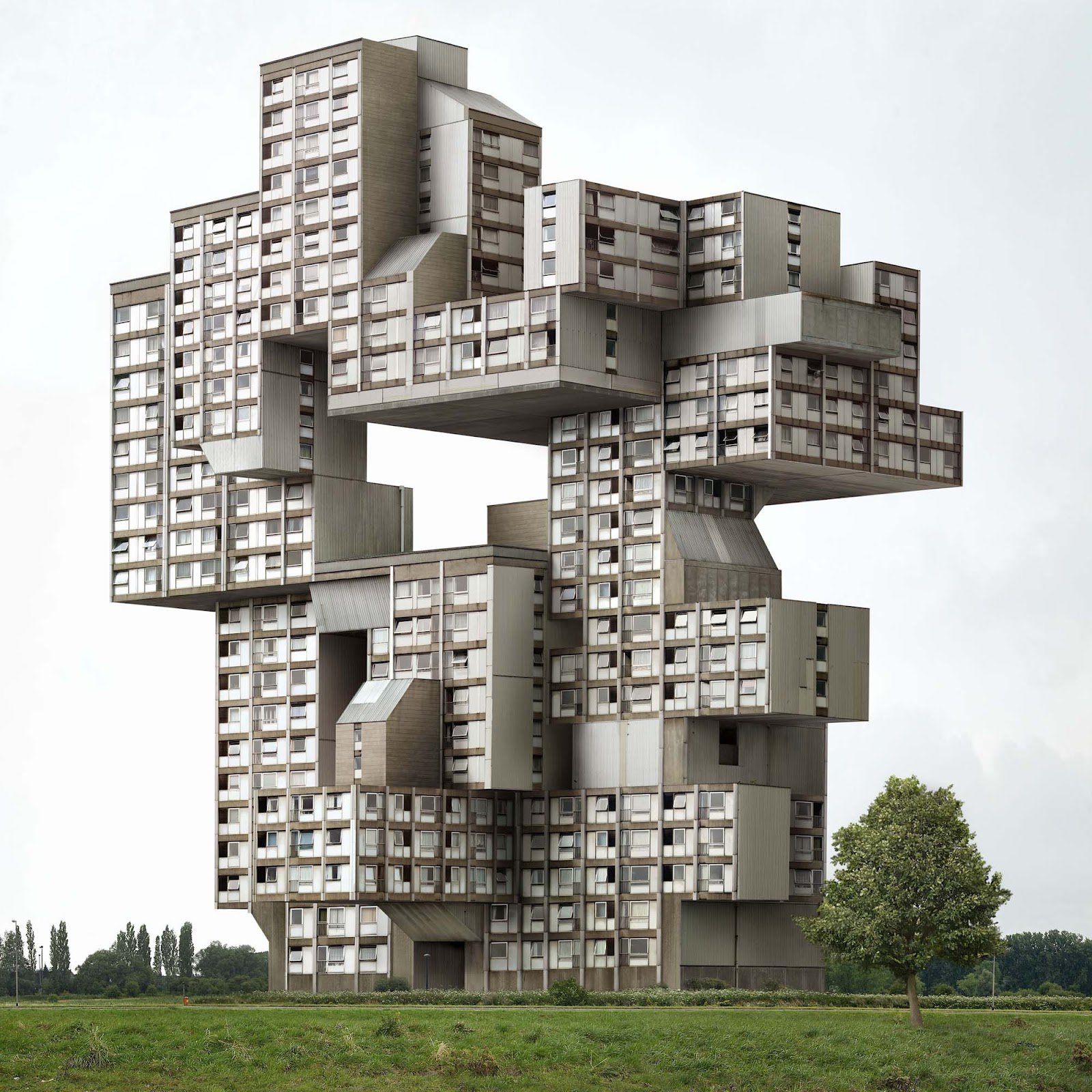 Belgian surrealism modern design by for Famous contemporary architects